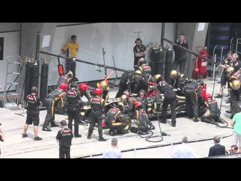 Shanghai F1 GP 2012 - Team Lotus Pit Stop