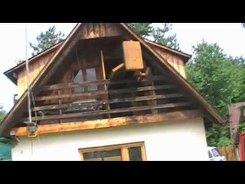 schrank vom balkon werfen youtube. Black Bedroom Furniture Sets. Home Design Ideas