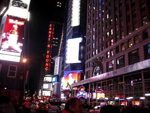 M et T - Noel à New York: Times Square.AVI