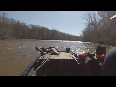 Running the jet boat Flint River GA
