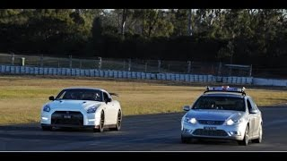 Nissan GTR R35 Worked vs Australian Taxi Driver - Ford Falcon G6E Turbo - Taxi Spec