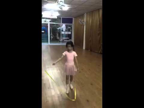 น้องบุญ Ballet R.A.D. Grade1, ท่าTransfer of weight