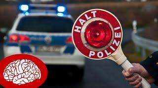 5 DINGE, DIE POLIZISTEN BEI EINER VERKEHRSKONTROLLE NICHT DÜRFEN thumbnail