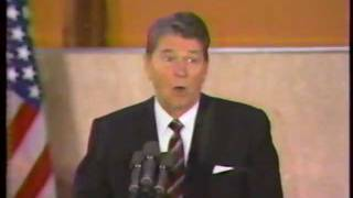 President REAGAN telling SOVIET UNION jokes !!!
