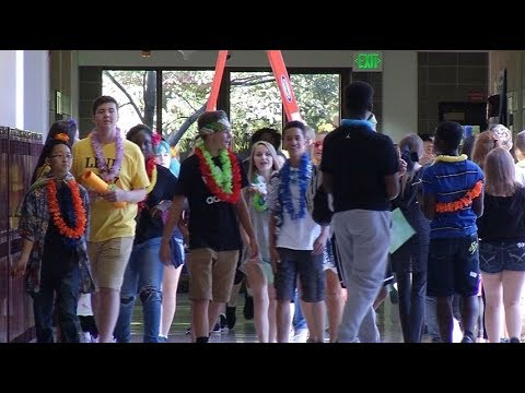 Class of 2021 gets sneak peek at new school year