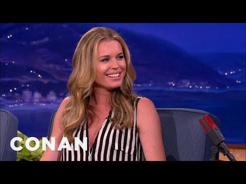 "Rebecca Romijn Is Still Legally ""Rebecca Romijn-Stamos"""