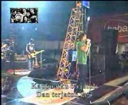 PETERPAN DI DAGO PLASA BANDUNG ( LIVE ) - KUKATAKN DGN INDAH