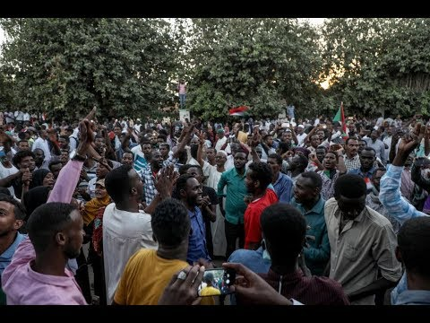 المجلس العسكري السوداني يدعو قادة المحتجين لاجتماع عاجل  - نشر قبل 2 ساعة