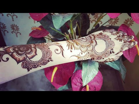 Diwali special mehndi design for backside of hand 2017 #1