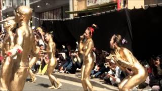 Repeat youtube video 第35回大須大道町人祭・金粉ショー20121013