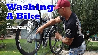 HOW TO WASH A BIKE.  Cycling tips: Washing A Bicycle, Race Ready & Dirt Free.