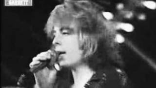 Watch Leif Garrett Runaround Sue video