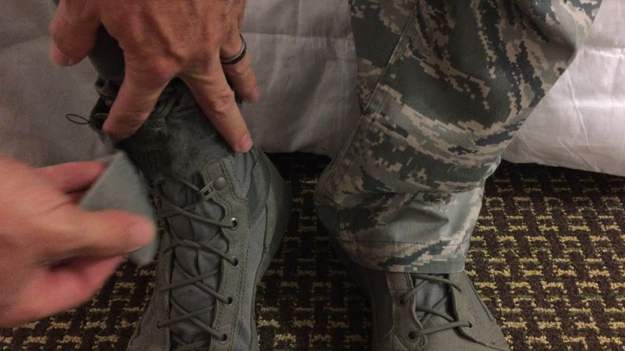 Why Do Marines Blouse Their Boots