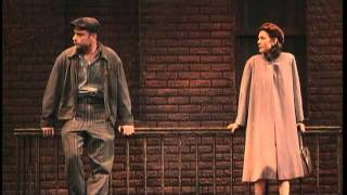 Обложка BWW TV Broadway Beat At A View From The Bridge Opening Night