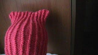 Вязание шапки с ушками на спицах по кругу.