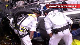 Car drives over cliff in Double Bay in freak accident