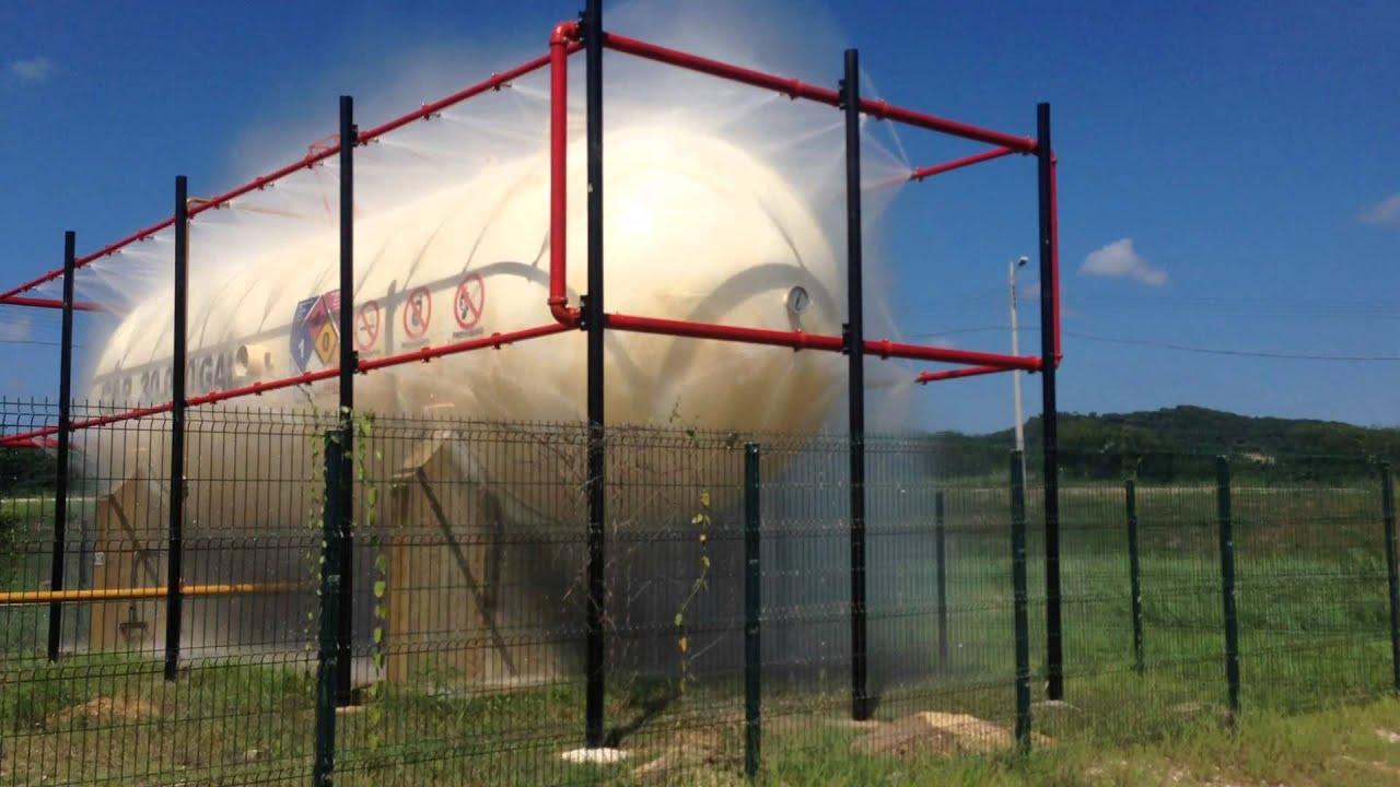 Sistema de enfriamiento tanque glp 30000 gal protecmec for Aspersor de agua para jardin