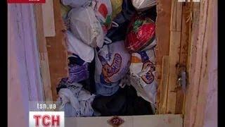 Квартира от пола до потолка завалена мусором
