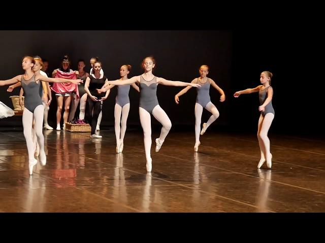 EDA, répétition du ballet de fin d'année