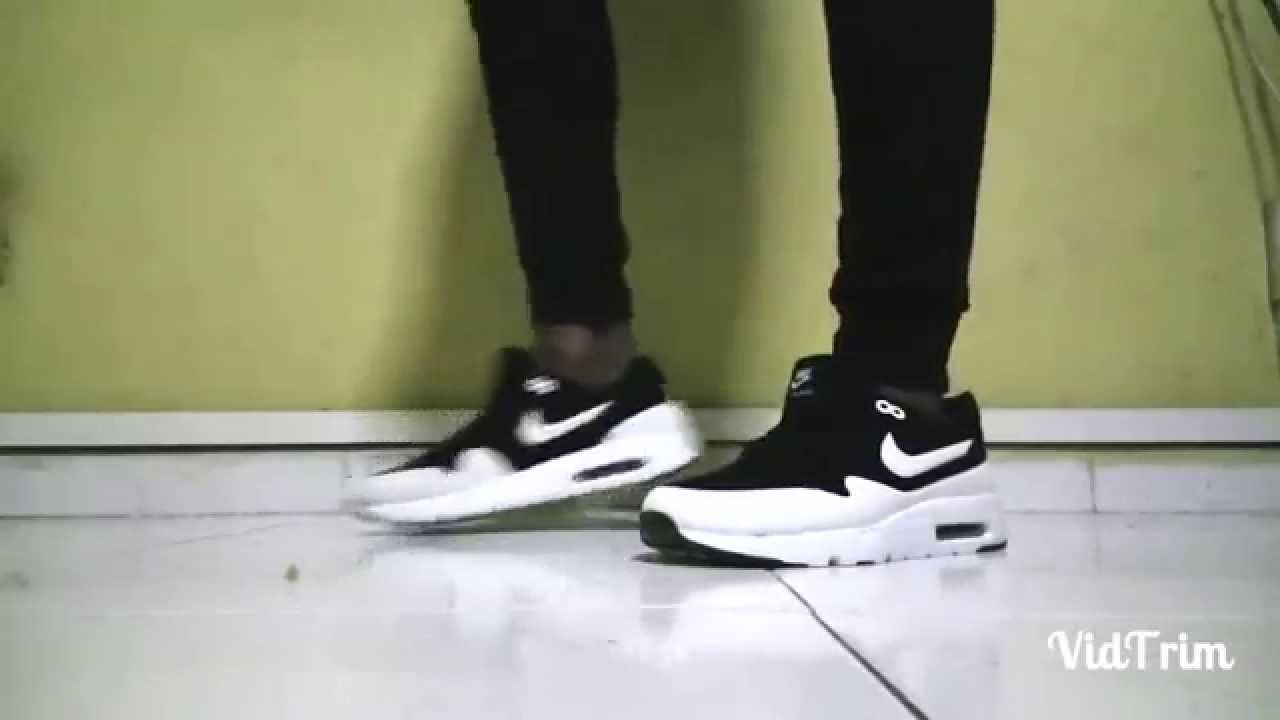 NIKE AIR MAX 1 ULTRA MOIRE BLACKWHITE ON FEET