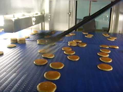 Flexpickers stacking pancakes