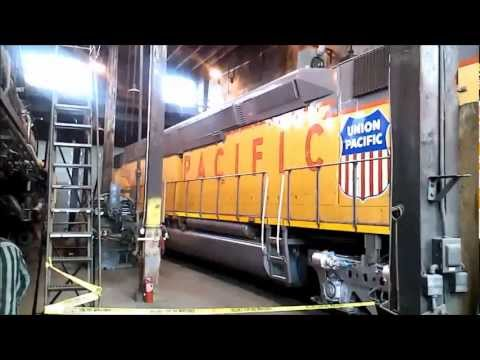 Union Pacific DDA40X 6936, 838 and 5511 - Roundhouse Tour