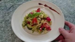 Салат из овощей с авокадо и сыром фета