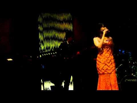 "CAMILLE SY sings "" Aqua De Beber"" of JOBIM with TAKA.mov"