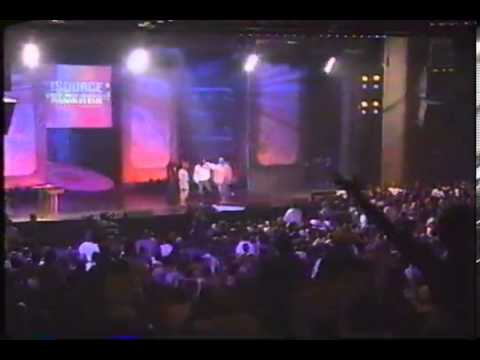 Snoop Dogg Disses The East Coast @ The 1995 Source Music Awards