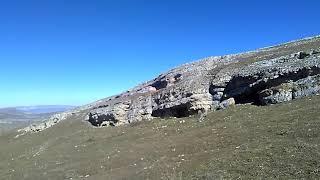 Пещеры в горах Дагестана на плато Дурчидаг, Гунибский район, октябрь 2018   туризм в Дагестане