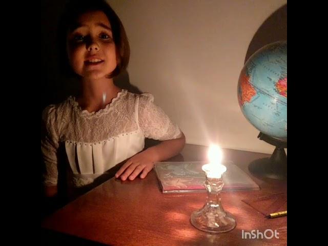 Изображение предпросмотра прочтения – МерьемМамедова читает произведение «Отговорила роща золотая» С.А.Есенина