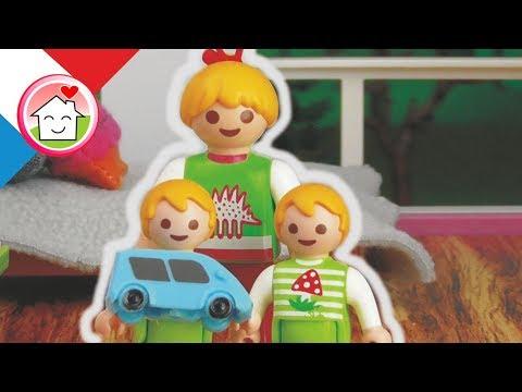 Playmobil en français Babysitting - La famille Hauser -  film pour enfants