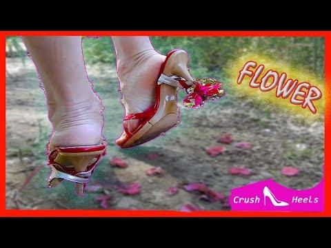 Crush Flower In Sandal High Heels