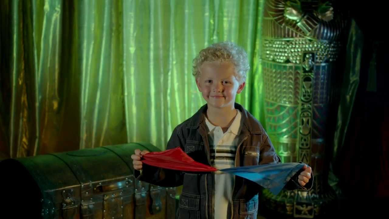 Color Changing Hanky by MAGIC MAKERS - YouTube