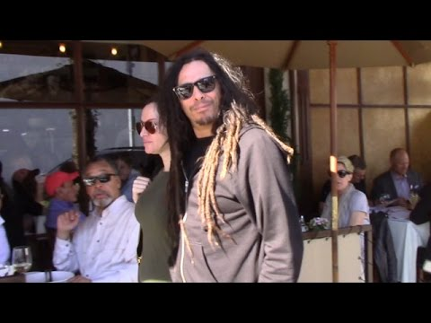 Korn Guitarist James 'Munky' Shaffer Takes Pregnant Wife To Lunch