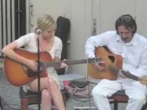 Jessy Schram singing