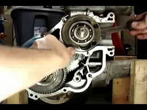how a vespa engine works youtube rh youtube com