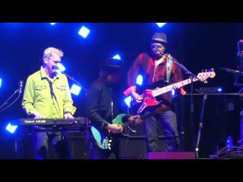 """I Cant Go for That (No Can Do)"" Hall & Oates@Verizon Center Washignton DC 6/26/17"