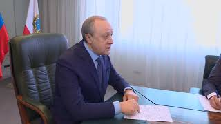 """Валерий Радаев: """"В час пик на остановках стоят по 200 человек"""""""