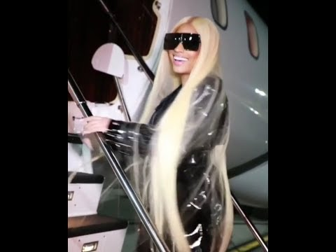 Nicki Minaj Leaving Spain, Laughing At Haters on the steps of a G6 Jet!!