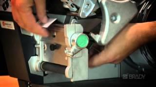 Испытание этикетки Brady с RFID-меткой на прочность(Узнайте, как происходит процесс изготовления и применения этикеток с RFID-меткой с помощью специального..., 2015-10-20T14:34:37.000Z)