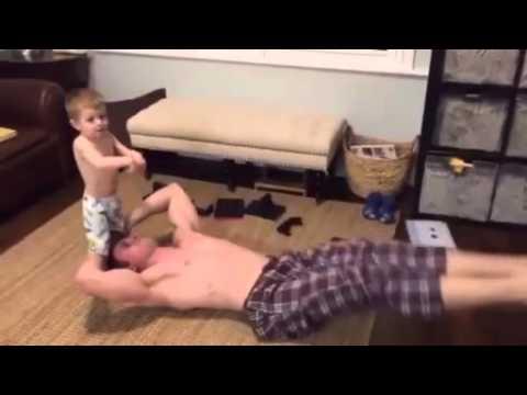 3 bố con tập thể dục SIÊU ĐÁNG YÊU
