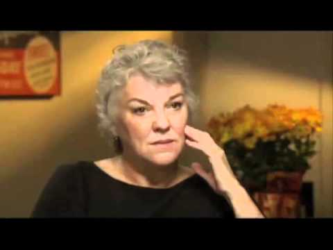 Tyne Daly on kissing