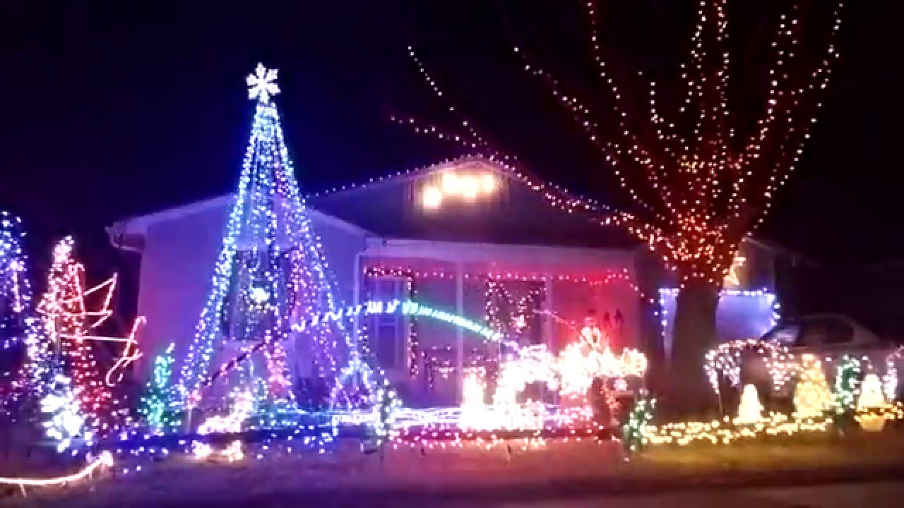 2017 Christmas Light Show At The Brennen S Featuring Carrie Underwood O Holy Night