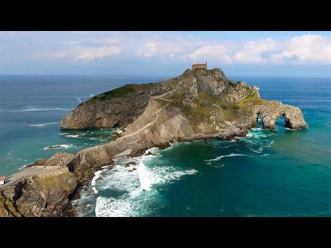 Vågsurfing, pintxos, husbil och pilgrimsleder – Gone Camping i Baskien