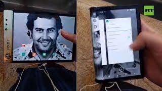 Hermano de Pablo Escobar presenta un teléfono plegable barato