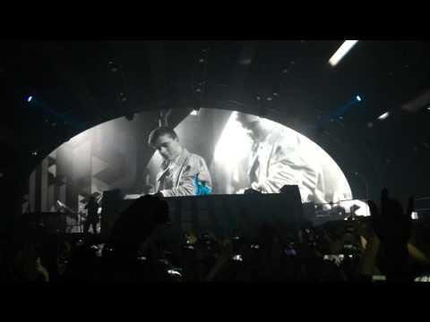 Intro Martin Garrix @ Fun Radio Ibiza Experience⎜Martin Garrix - Poison