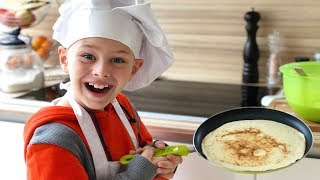 ALİ BİZE KREP YAPTI! TÜM YUMURTALAR KIRILDI! Kid Cooking in the Kitchen, Funny video for children
