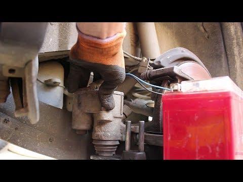 Замена задних тормозных колодок без компьютера на Volkswagen Tiguan 2,0 Фольксваген Тигуан 2009 год