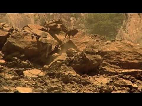 200,000 Year Old Landslide! And still sliding!